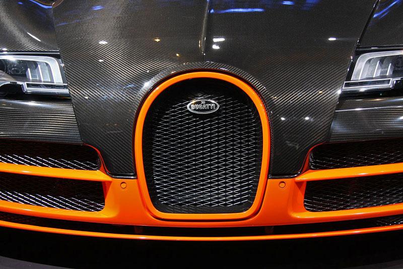 Paříž 2010 živě: Bugatti Veyron Super Sport: - fotka 39
