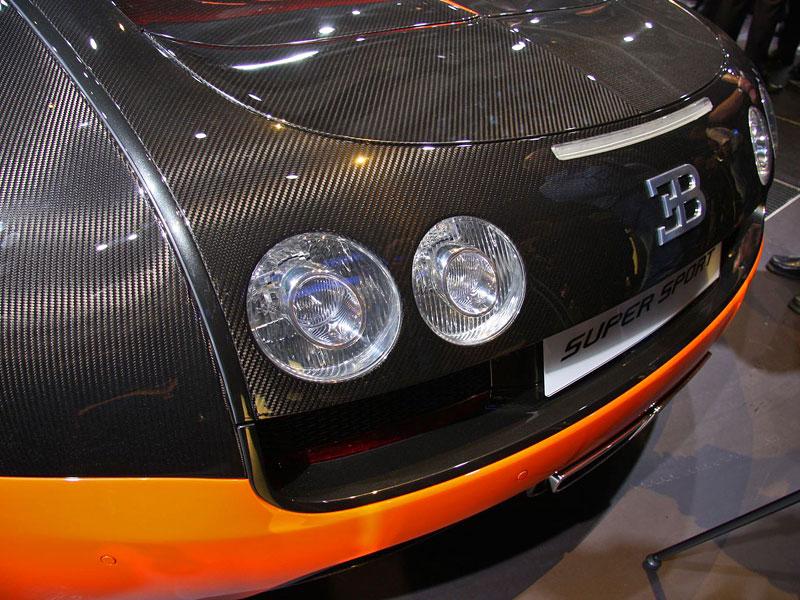 Paříž 2010 živě: Bugatti Veyron Super Sport: - fotka 43