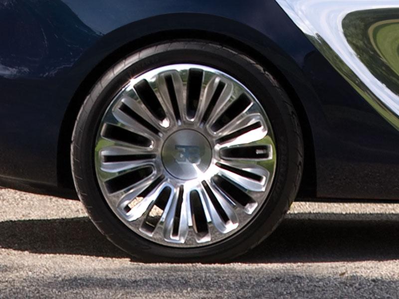 Bugatti Galibier: mezi (nad)lidi až v roce 2013: - fotka 23