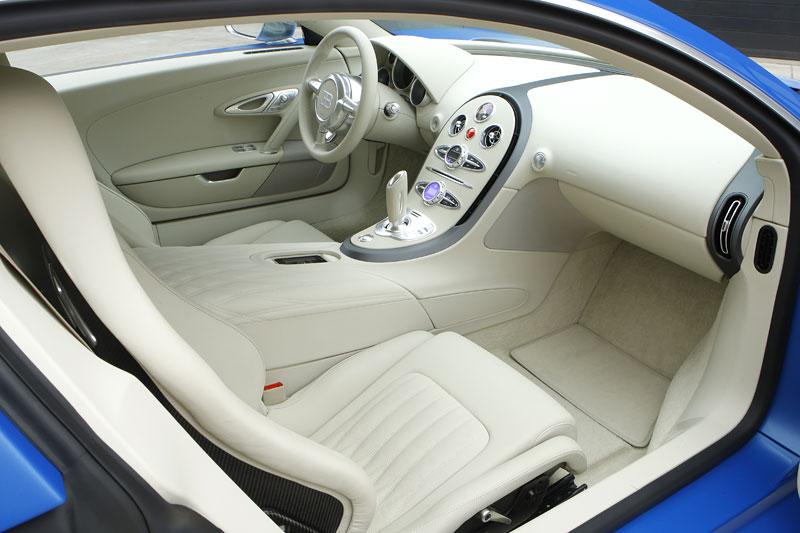 Autosalon Ženeva: Bugatti Veyron Bleu Centenaire: - fotka 9