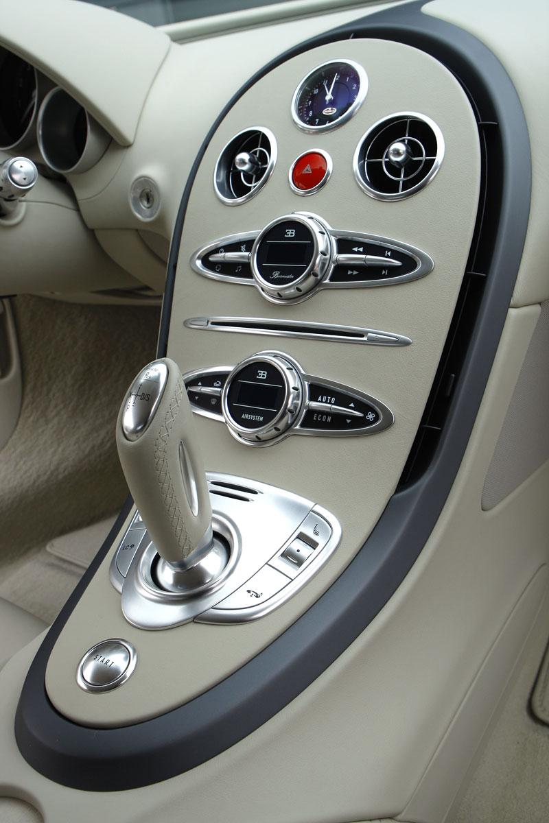 Autosalon Ženeva: Bugatti Veyron Bleu Centenaire: - fotka 11