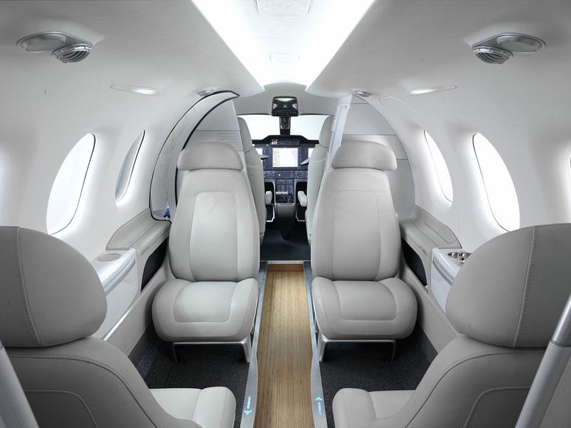 BMW Group DesignworksUSA navrhlo interiér pro Embraer: - fotka 3