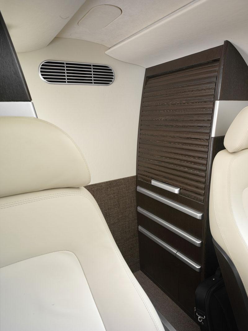 BMW Group DesignworksUSA navrhlo interiér pro Embraer: - fotka 5