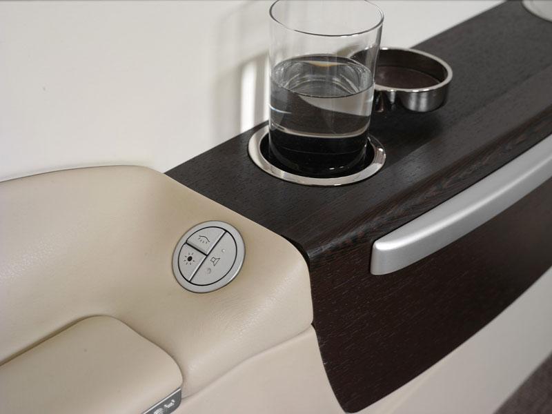 BMW Group DesignworksUSA navrhlo interiér pro Embraer: - fotka 8