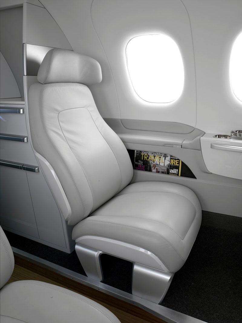 BMW Group DesignworksUSA navrhlo interiér pro Embraer: - fotka 9