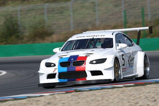 BMW 1 Coupé GTR od Šenkýř Motosport: brněnský drak: - fotka 6