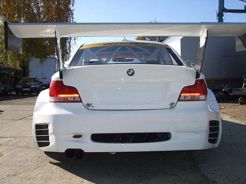BMW 1 Coupé GTR od Šenkýř Motosport: brněnský drak: - fotka 10
