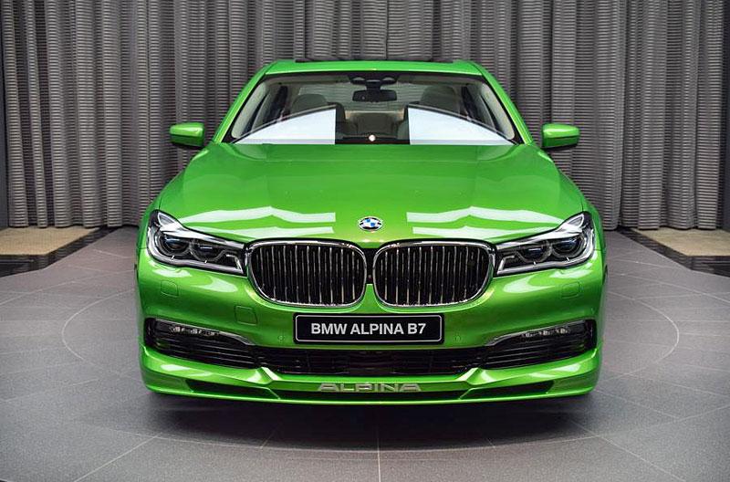 Alpina B7: Sluší decentnímu sedanu jedovatě zelená, nebo je to už příliš?: - fotka 4