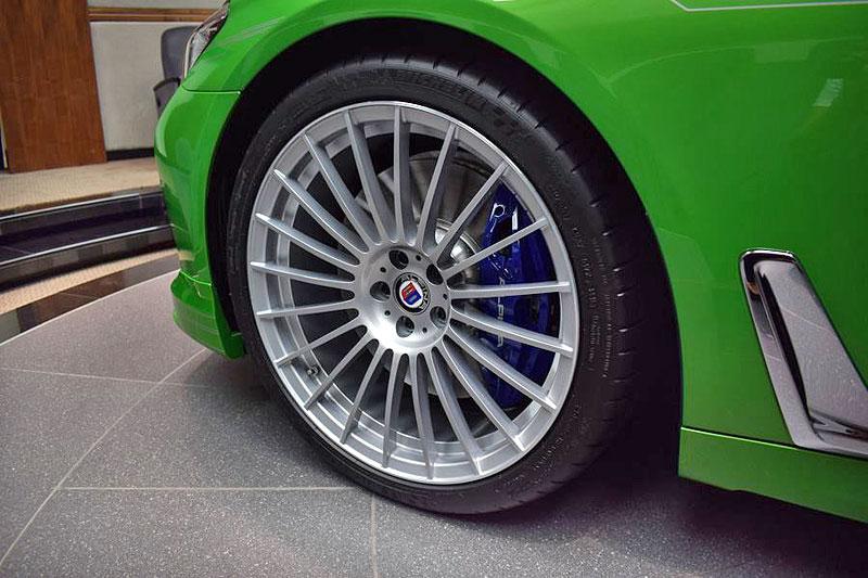 Alpina B7: Sluší decentnímu sedanu jedovatě zelená, nebo je to už příliš?: - fotka 10