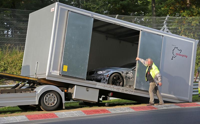 Nové BMW M3 vs. svodidla na Ringu - 0:1: - fotka 6