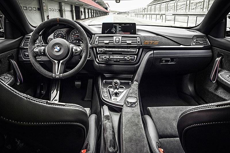 BMW M4 GTS zajelo kolo na Ringu pod sedm a půl minuty: - fotka 2