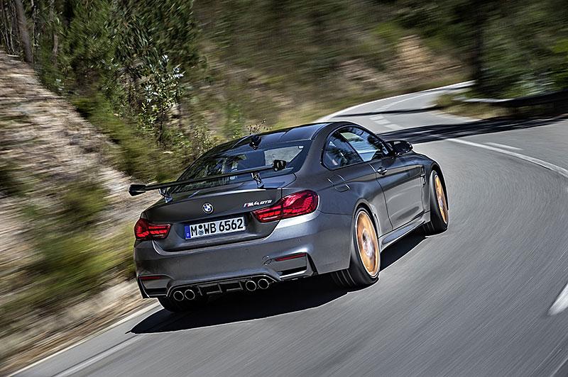 BMW M4 GTS zajelo kolo na Ringu pod sedm a půl minuty: - fotka 37