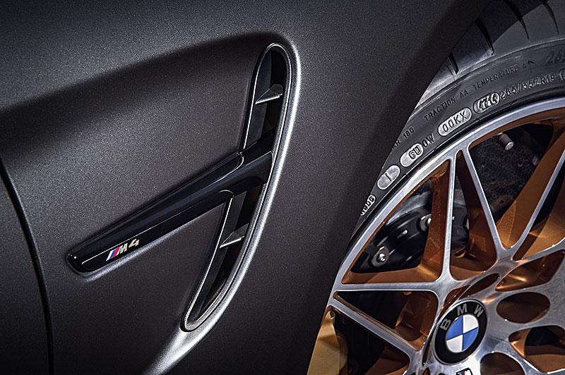 BMW M4 GTS zajelo kolo na Ringu pod sedm a půl minuty: - fotka 55