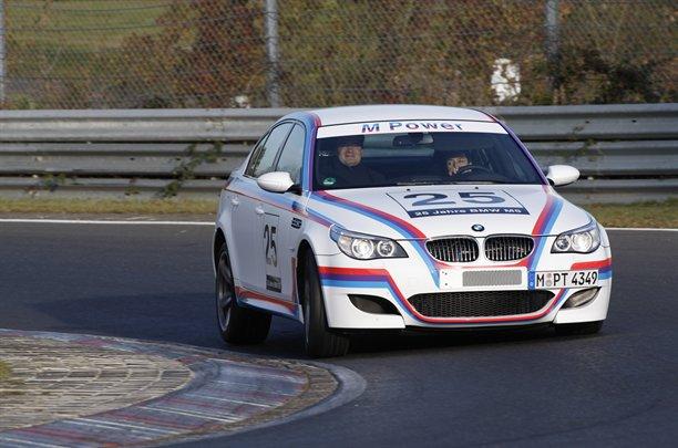 BMW M5 CSL: 580 koní pro legendu: - fotka 1