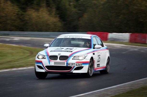 BMW M5 CSL: 580 koní pro legendu: - fotka 3