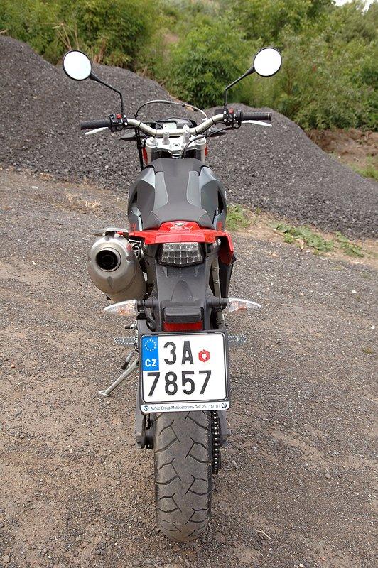 Test - BMW G650 Xmoto: hračka do města: - fotka 24
