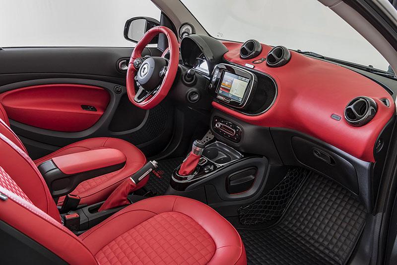 Brabus má auto pro lidi, kteří už opravdu nevědí, co z penězi. Je malé, drahé a docela pomalé: - fotka 4