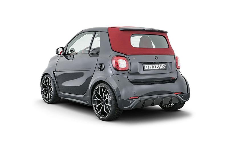 Brabus má auto pro lidi, kteří už opravdu nevědí, co z penězi. Je malé, drahé a docela pomalé: - fotka 11