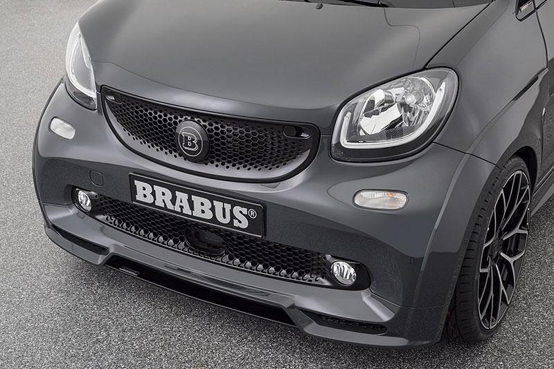 Brabus má auto pro lidi, kteří už opravdu nevědí, co z penězi. Je malé, drahé a docela pomalé: - fotka 14