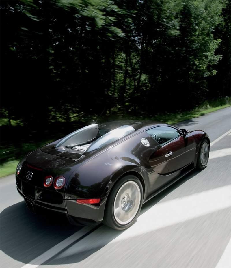 Pod lupou: Bugatti EB 16.4 Veyron - čtyři turba, 1000 koní: - fotka 37