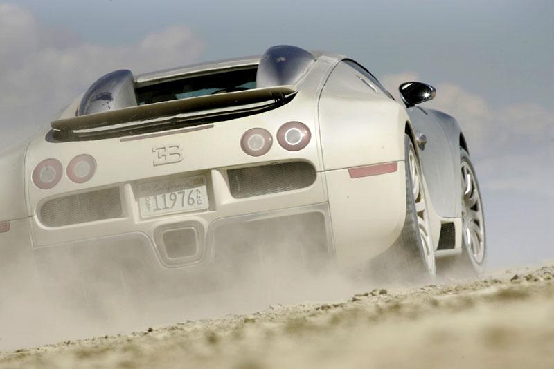 Pod lupou: Bugatti EB 16.4 Veyron - čtyři turba, 1000 koní: - fotka 39