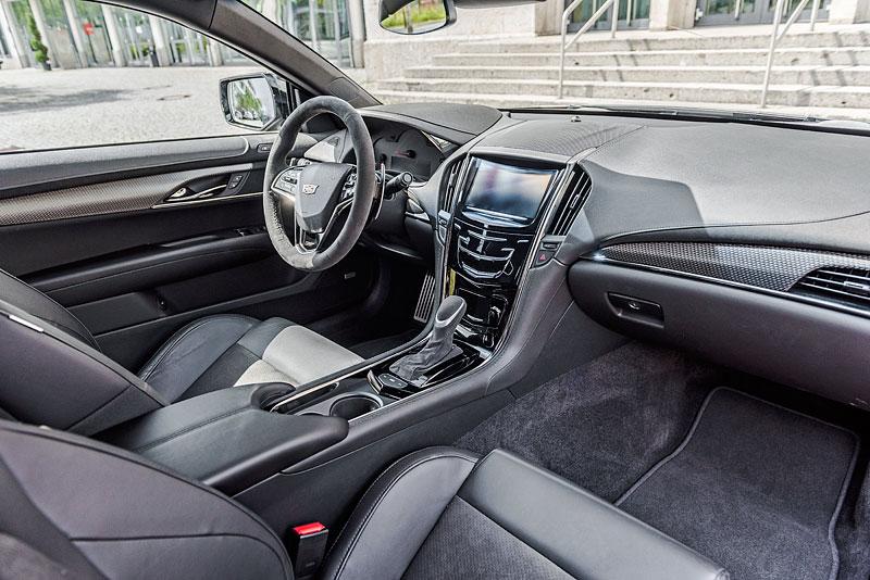 Cadillac ATS-V Coupe Twin Turbo Black Line: Specialita z Německa: - fotka 1