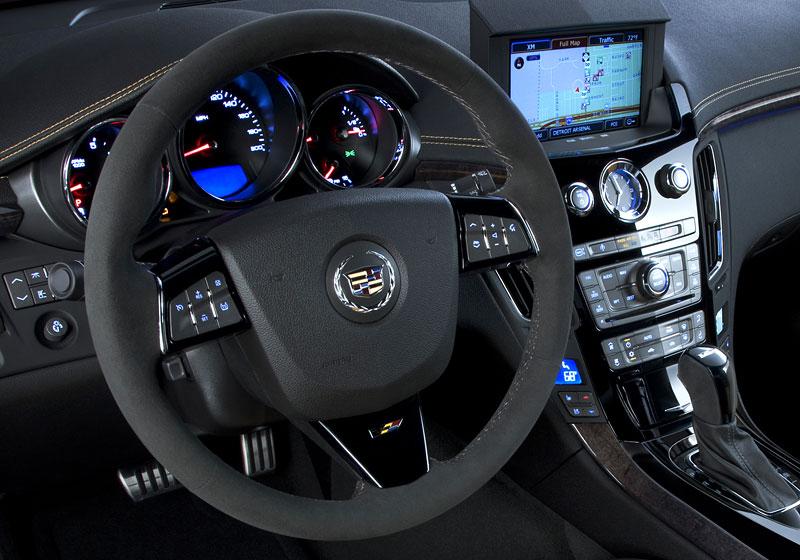 Chicago 2011: Cadillac CTS-V Black Diamond Edition: - fotka 1
