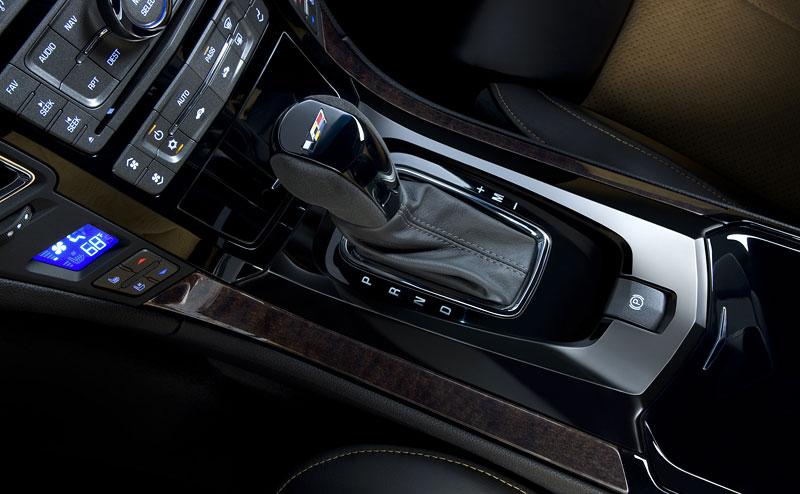 Chicago 2011: Cadillac CTS-V Black Diamond Edition: - fotka 3