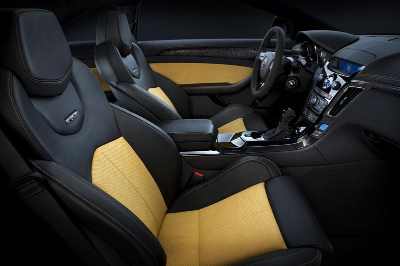 Chicago 2011: Cadillac CTS-V Black Diamond Edition: - fotka 4