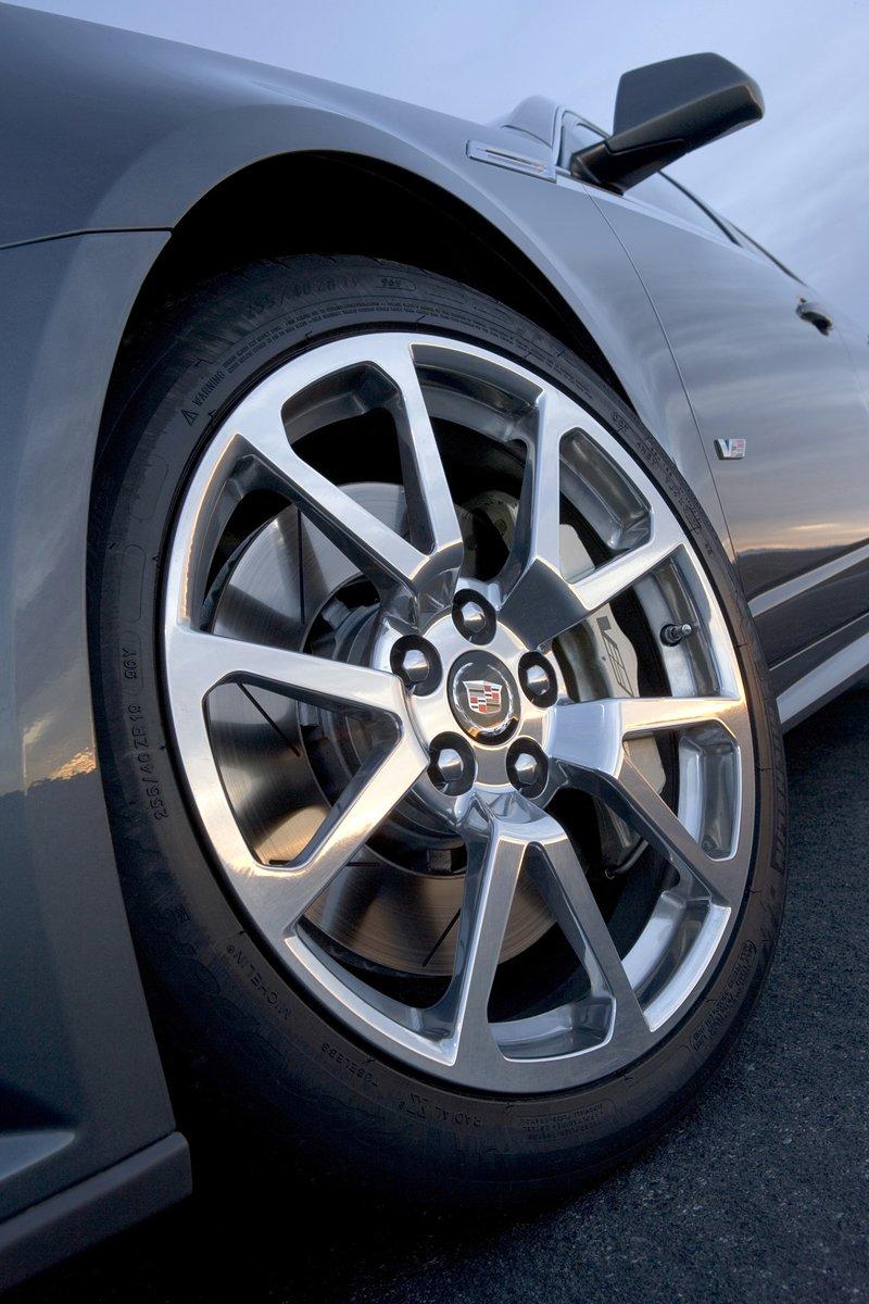 Cadillac CTS-V - s dovozem do Evropy se (ne)počítá, aneb kachna měsíce: - fotka 18