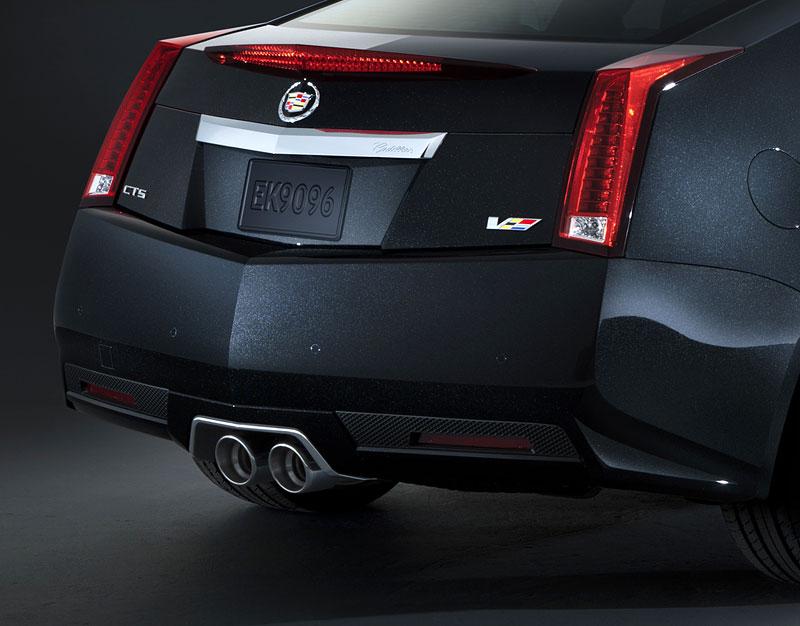 Chicago 2011: Cadillac CTS-V Black Diamond Edition: - fotka 11