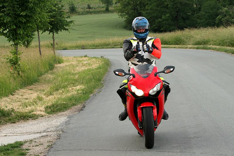 Test - Honda CBR1000RR Fireblade 2008: - fotka 2