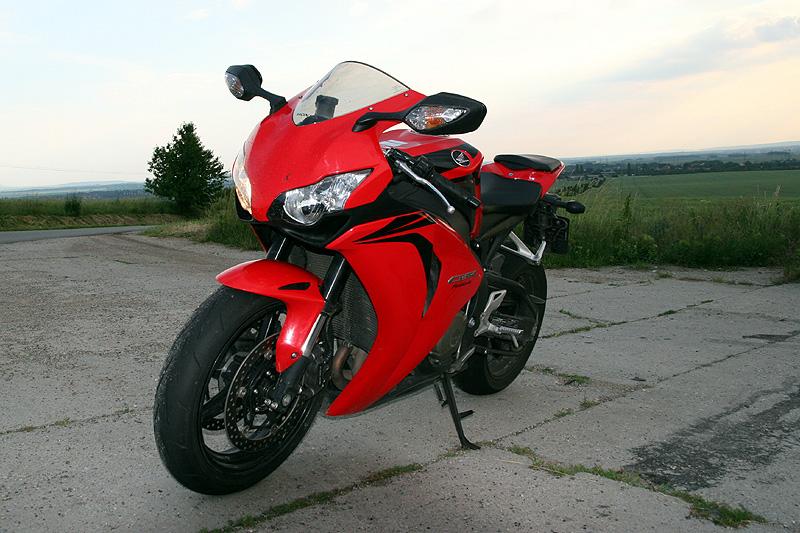 Test - Honda CBR1000RR Fireblade 2008: - fotka 4
