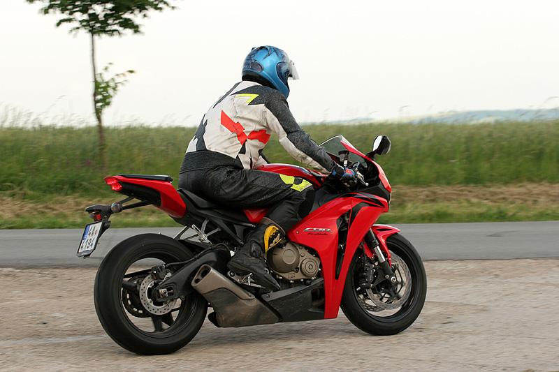 Test - Honda CBR1000RR Fireblade 2008: - fotka 10