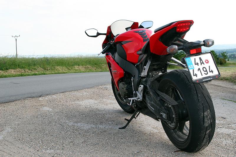 Test - Honda CBR1000RR Fireblade 2008: - fotka 12