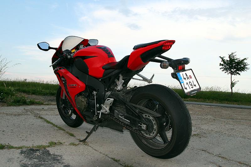 Test - Honda CBR1000RR Fireblade 2008: - fotka 18