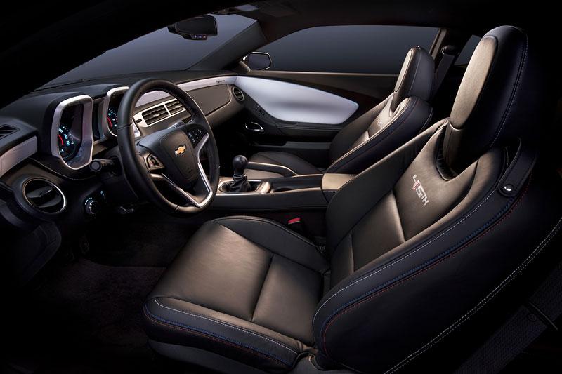 Chevrolet Camaro 45th Anniversary Edition: Modernizace a výroční model: - fotka 1