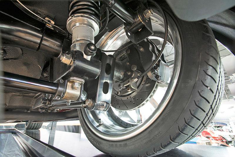 Extrémní 1967 Chevrolet Camaro má přes 630 koní: - fotka 35