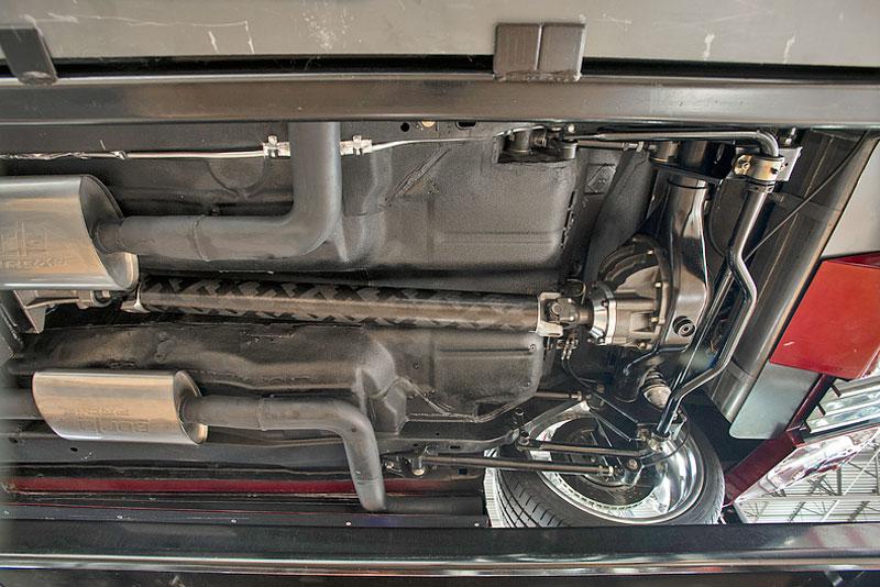 Extrémní 1967 Chevrolet Camaro má přes 630 koní: - fotka 39