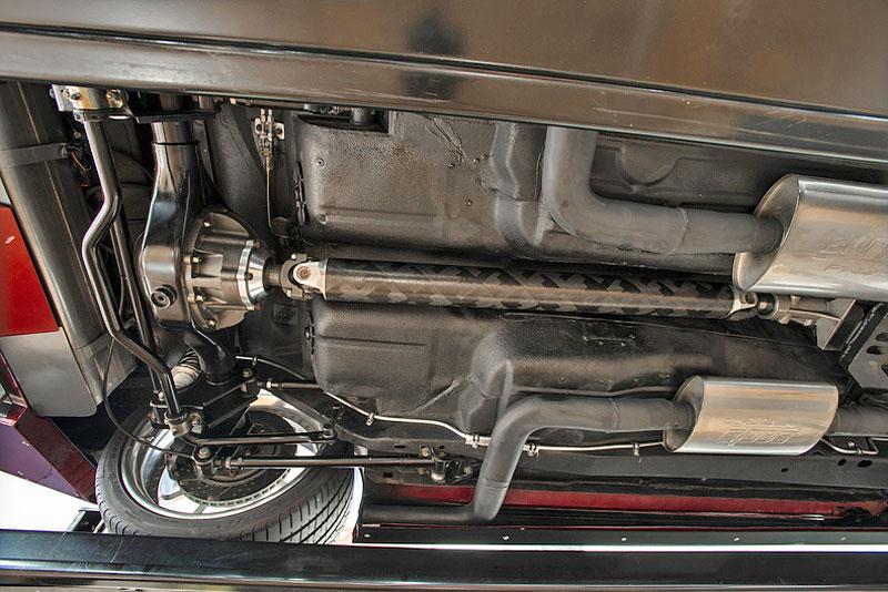 Extrémní 1967 Chevrolet Camaro má přes 630 koní: - fotka 40