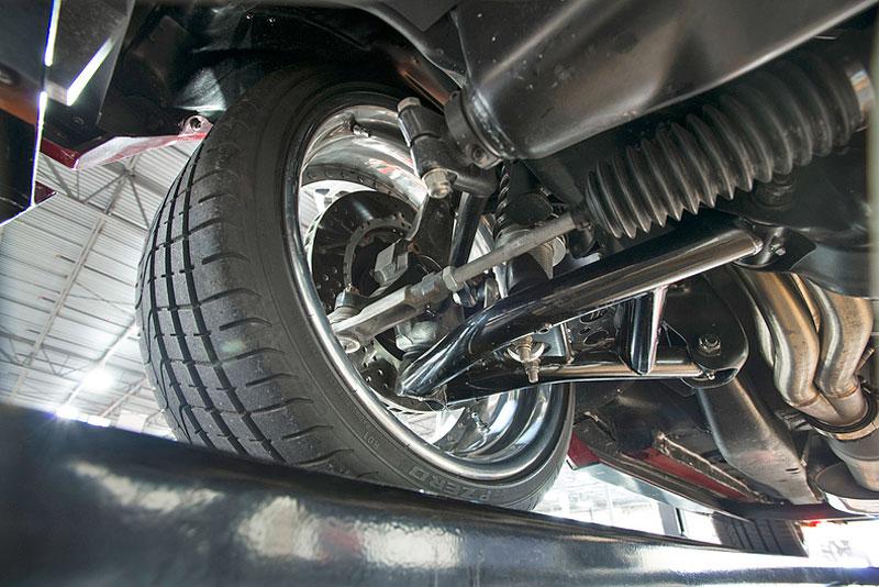 Extrémní 1967 Chevrolet Camaro má přes 630 koní: - fotka 45