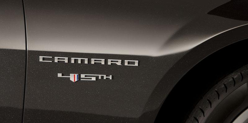 Chevrolet Camaro 45th Anniversary Edition: Modernizace a výroční model: - fotka 9