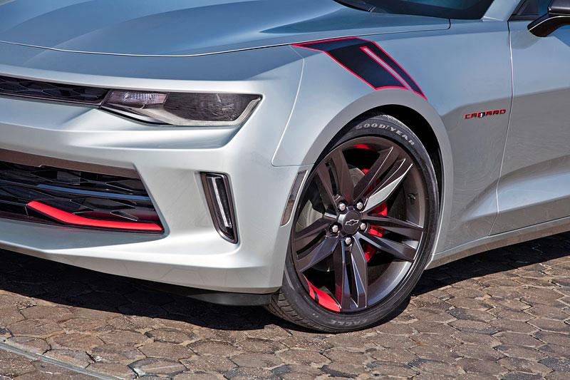 Chevrolet Camaro Red Line Series: Stříbrná je stále v kurzu: - fotka 5