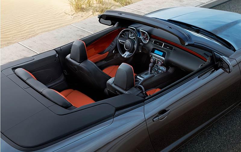 Ženeva 2011 živě: Chevrolet Camaro Convertible: - fotka 23