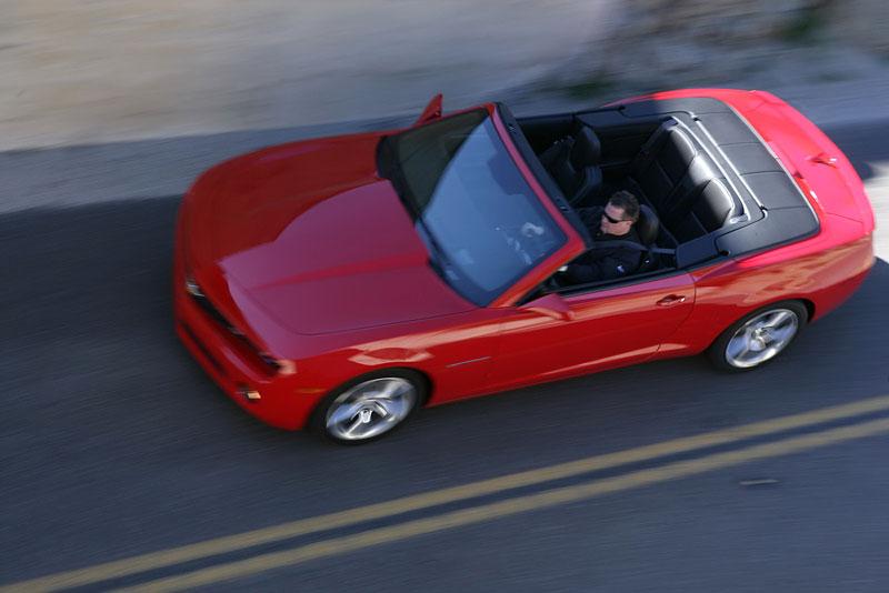 Ženeva 2011 živě: Chevrolet Camaro Convertible: - fotka 39