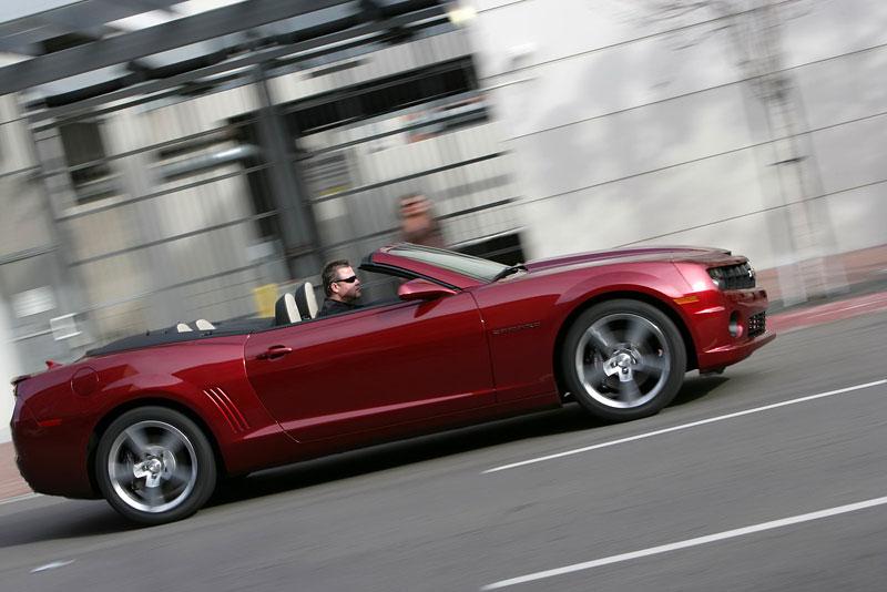 Ženeva 2011 živě: Chevrolet Camaro Convertible: - fotka 40