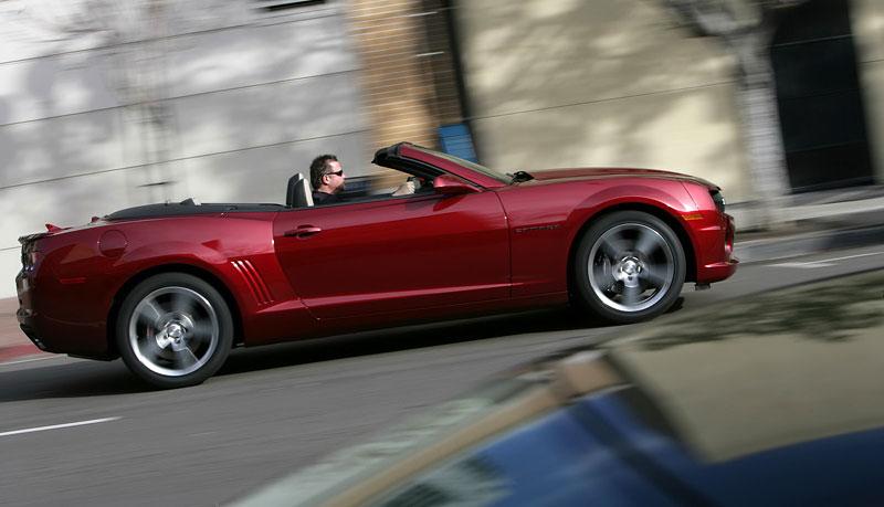 Ženeva 2011 živě: Chevrolet Camaro Convertible: - fotka 41