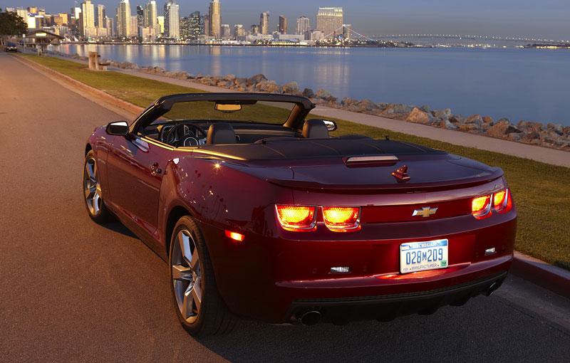 Ženeva 2011 živě: Chevrolet Camaro Convertible: - fotka 48