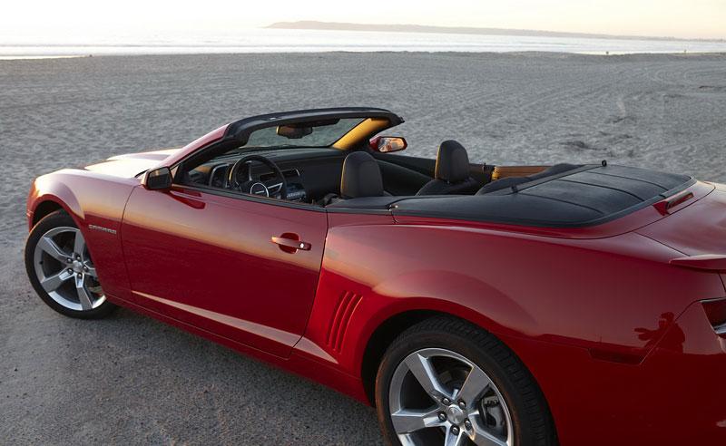Ženeva 2011 živě: Chevrolet Camaro Convertible: - fotka 54