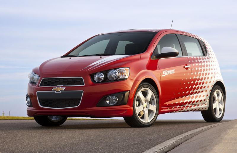 Chevrolet Sonic Z-Spec: tovární sportovní doplňky pro Aveo: - fotka 1